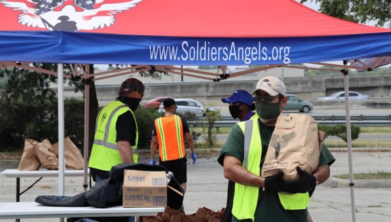 Volunteer to Feed San Antonio Veterans